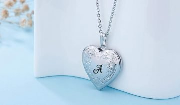 Stylish A Name Lockets for All those Amazing Women out there